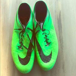 Nike hypervenom-Lime green